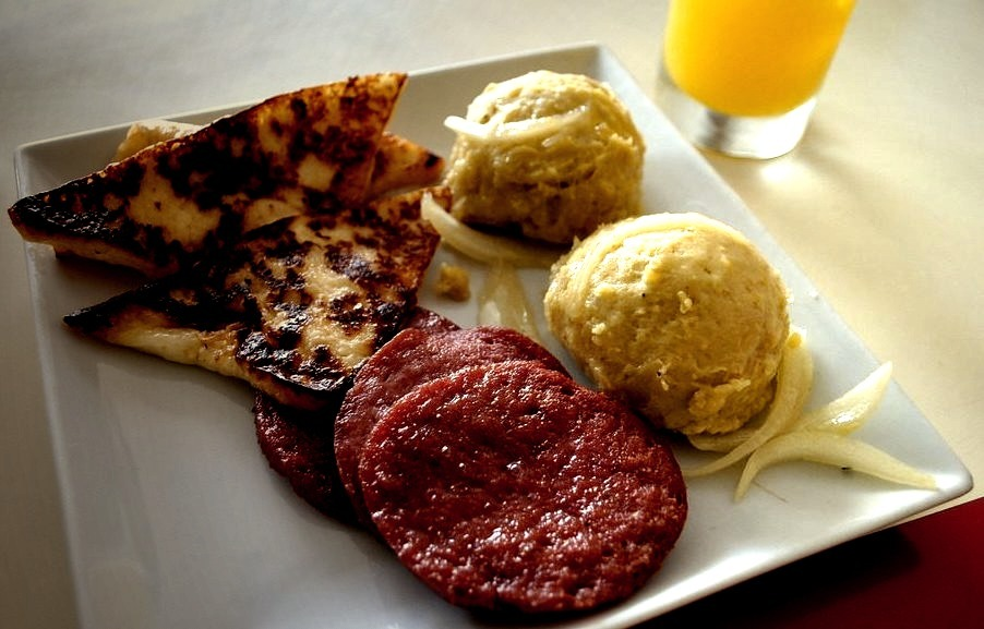 Breakfast of champions (by AlphaOzcar)