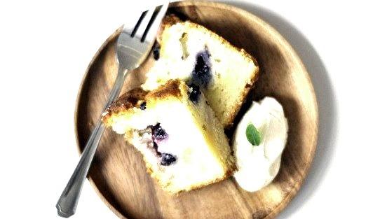 blueberry cake by jaslynr on Flickr.