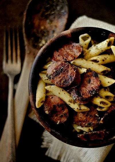 Grilled Kielbasa and Pesto Penne by howto-simplify eu-topian