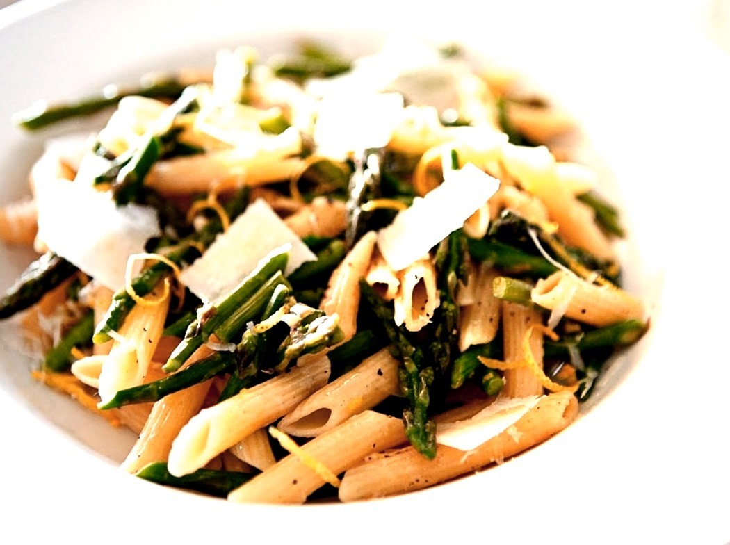 Penne with asparagus and pecorino cheese